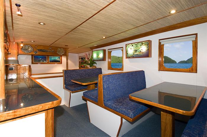Dining area - Ocean Hunter 3
